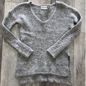 Aritzia Babaton Side Split Sweater XXS